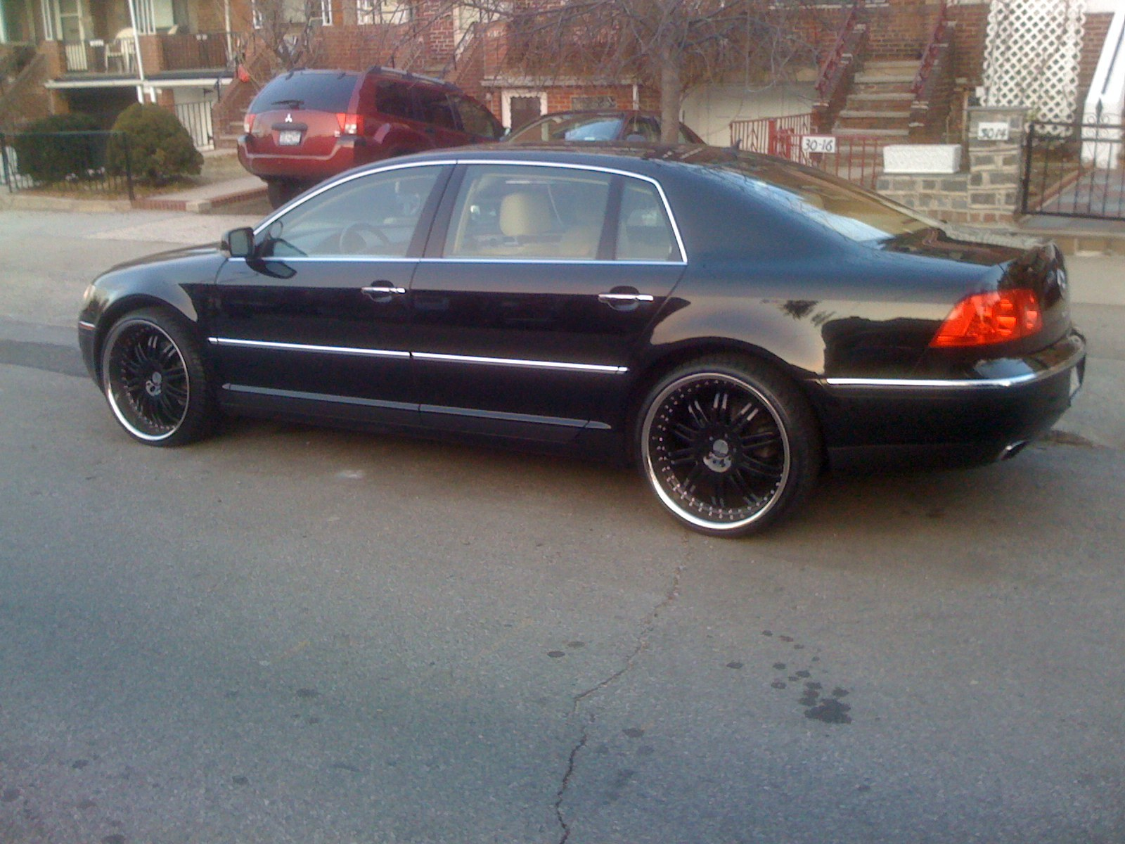 Another layingthelaw 2004 Volkswagen Phaeton post... - 13542996