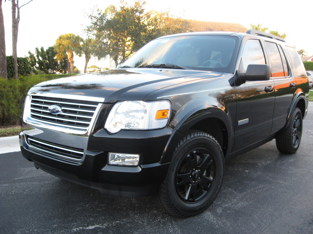 2008 ford explorer view all 2008 ford explorer at cardomain. Black Bedroom Furniture Sets. Home Design Ideas