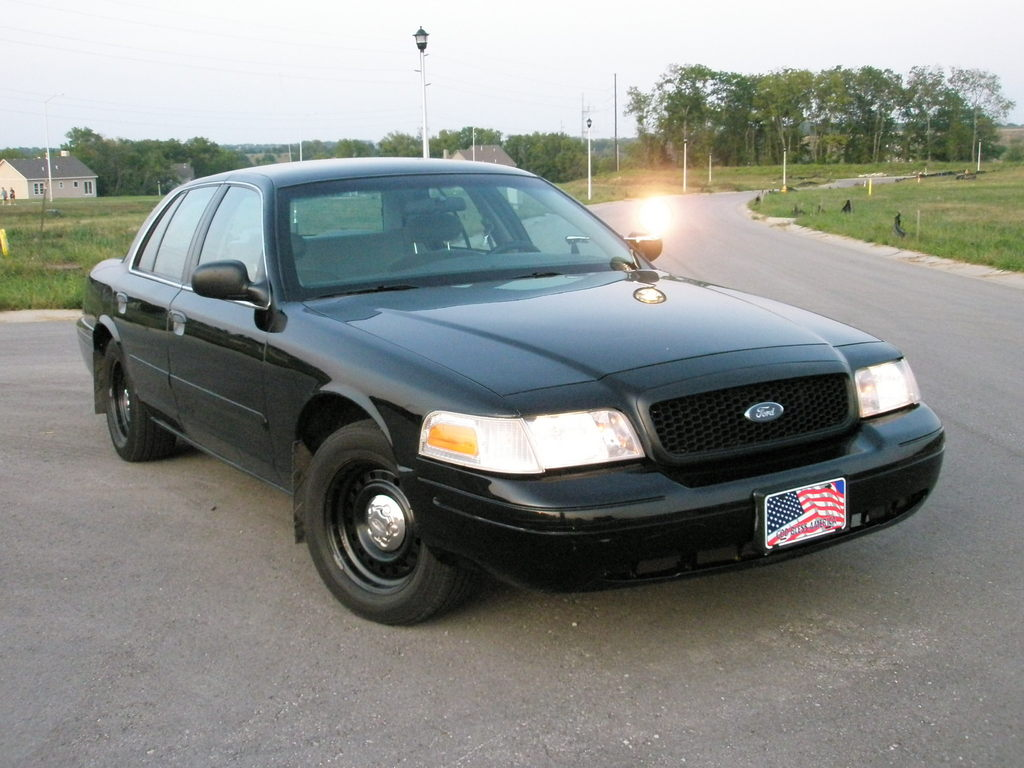 stanger58 2001 ford crown victoria 32162040003_large