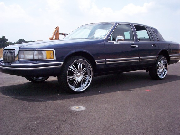 Dirtysouthlou 1990 Lincoln Town Car Specs Photos Modification Info