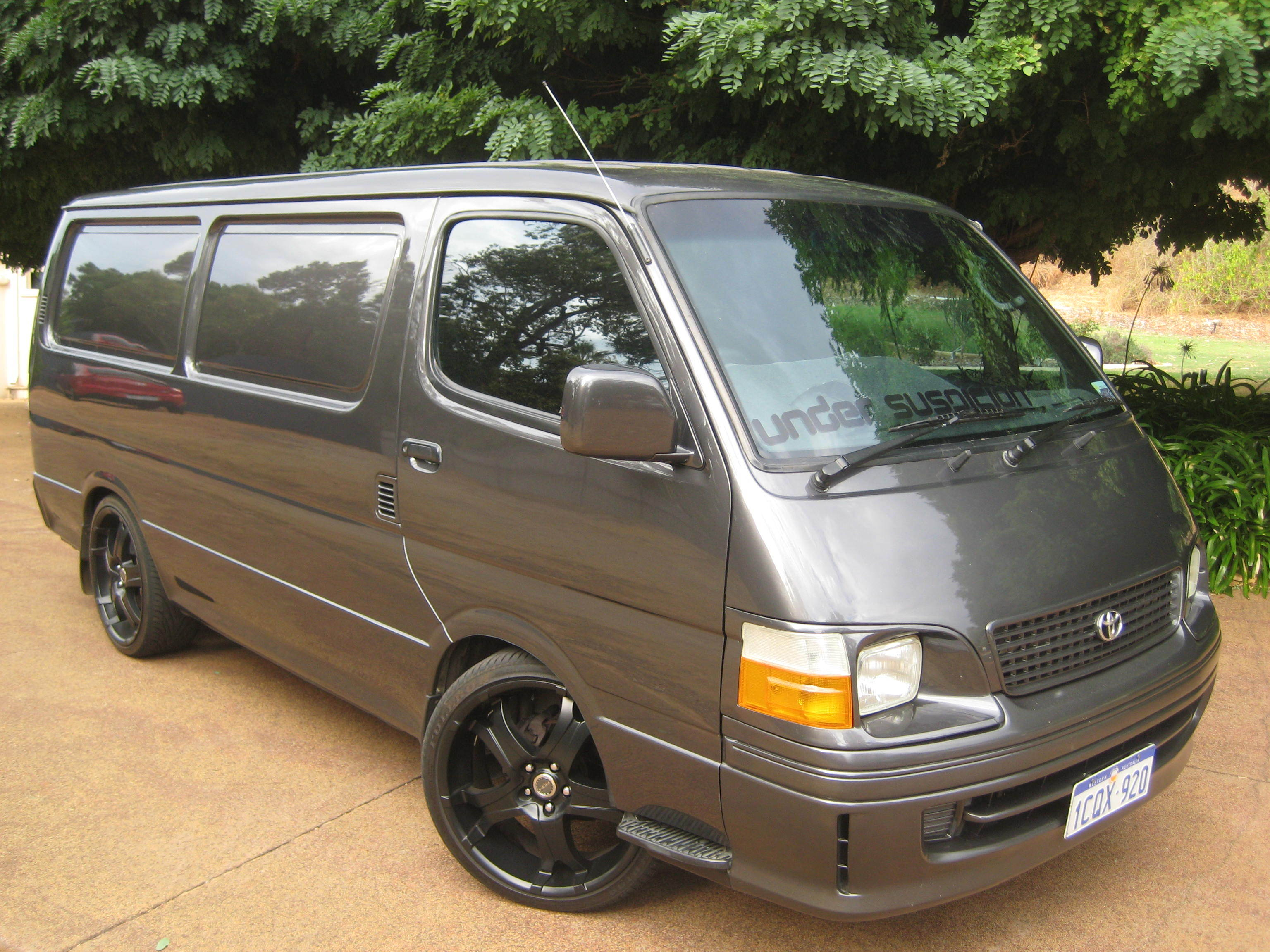 aj-suspicion 1999 Toyota HiAce Specs, Photos, Modification ...