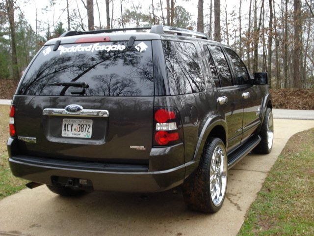 Another Watts_22 2006 Ford Explorer post... - 12457406