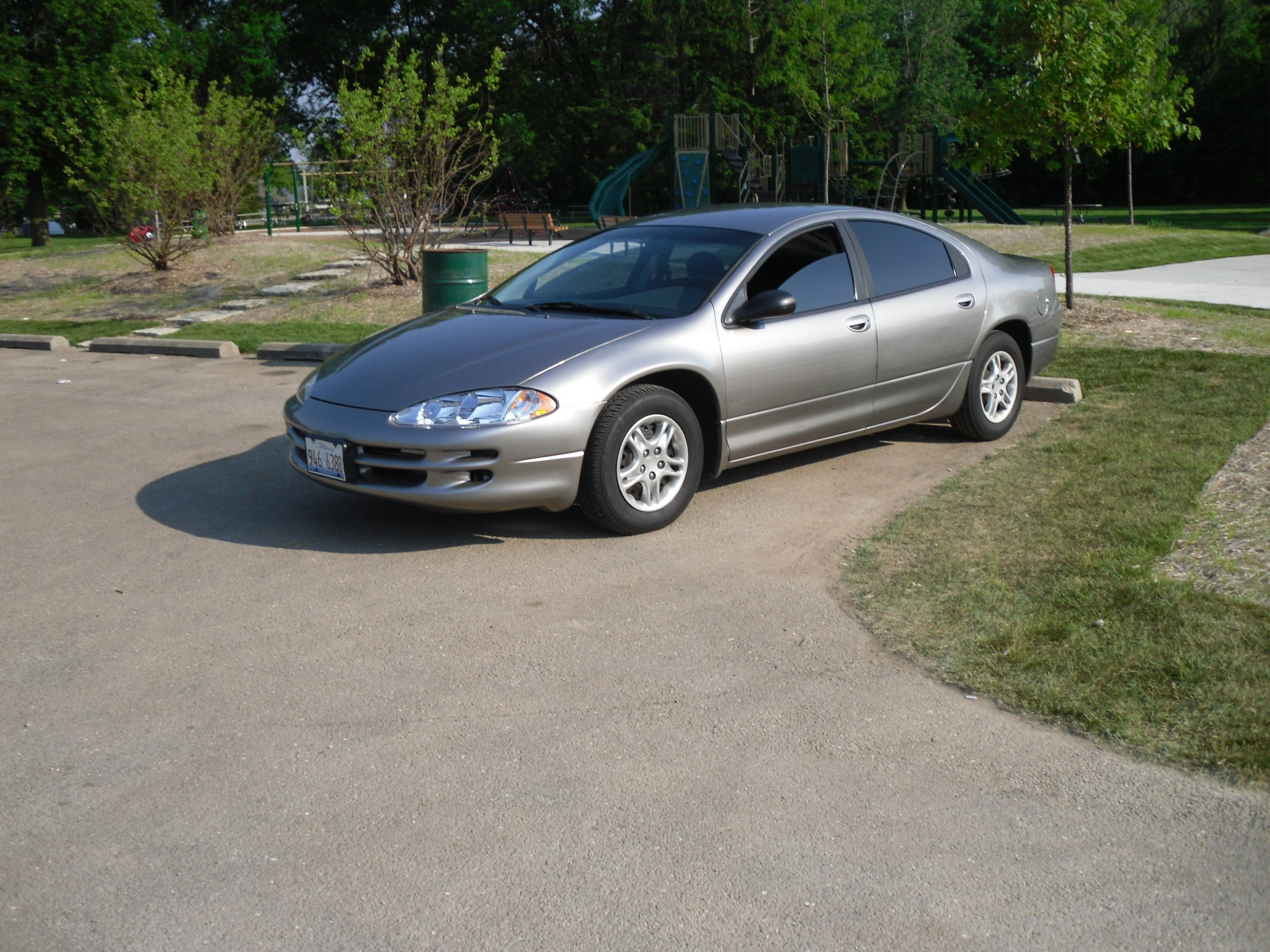 Twonetee_inchez 1999 dodge intrepid 32186220036_original