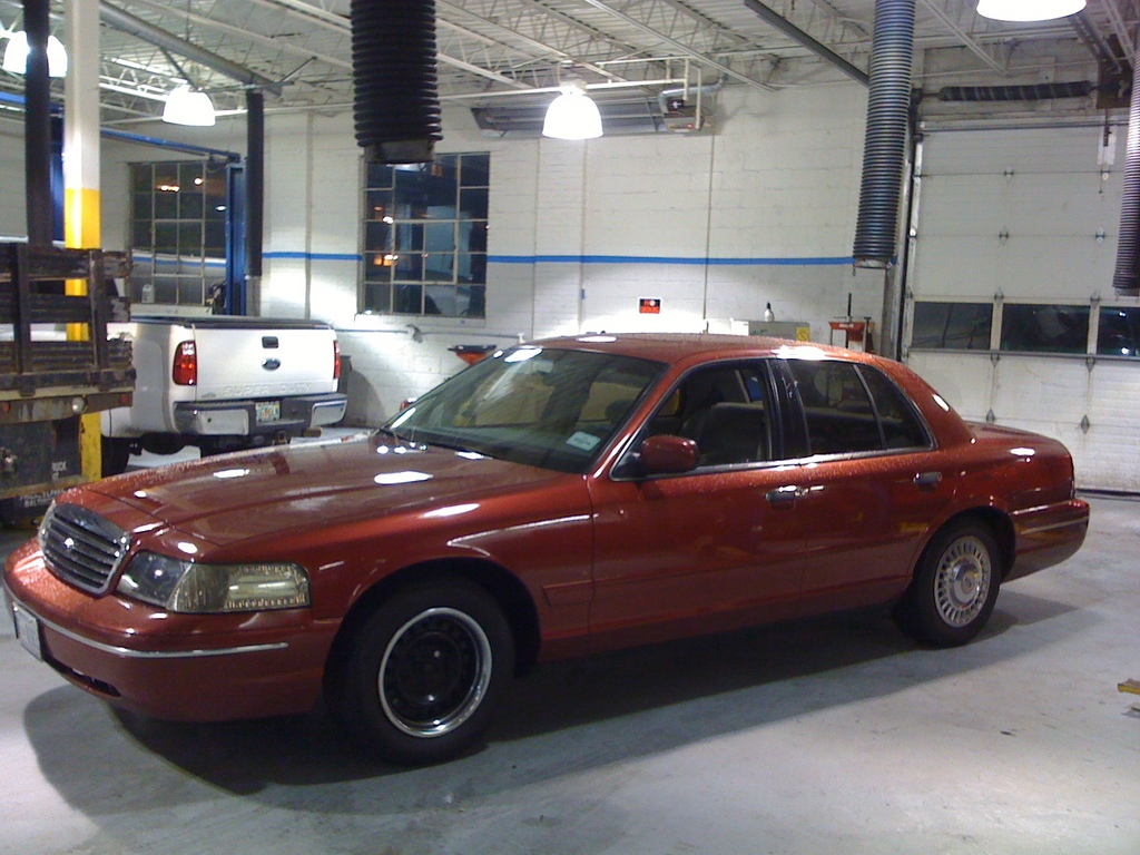 Another manderson22 1999 Ford Crown Victoria post... - 12607349