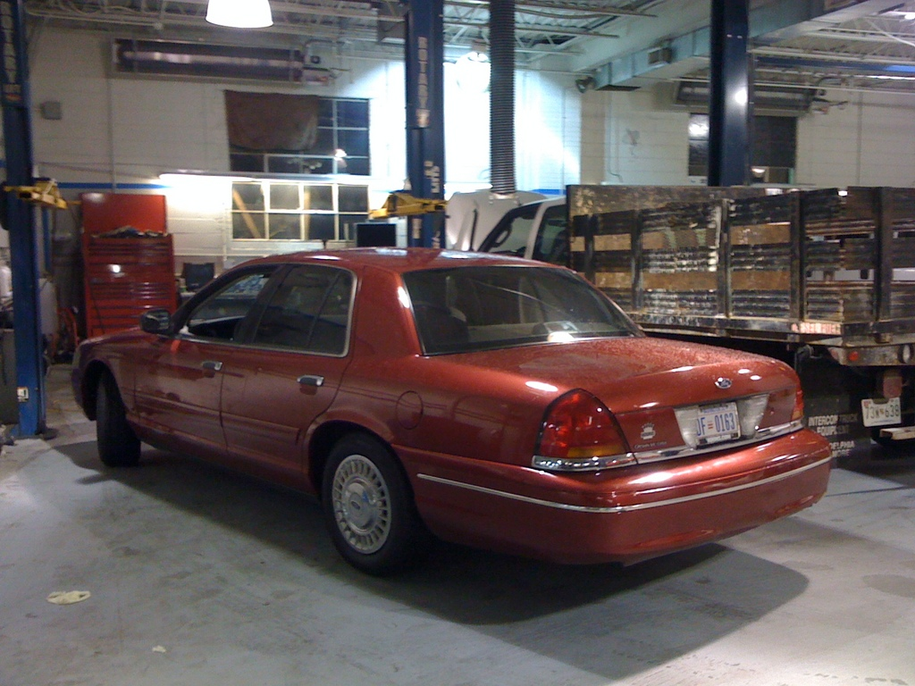 Another manderson22 1999 Ford Crown Victoria post... - 12607350