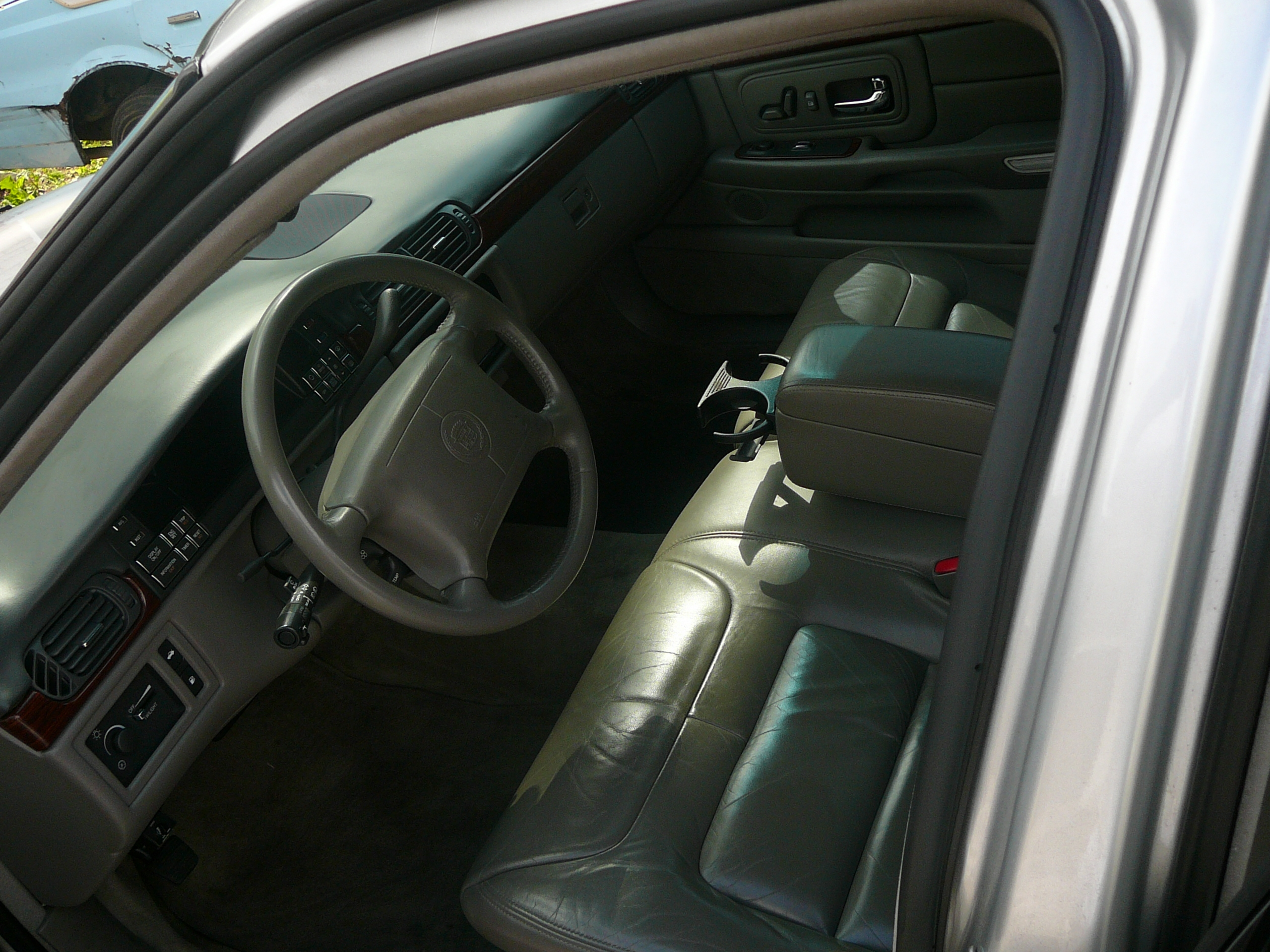 Another big-roe 1999 Cadillac DeVille post... - 12471463