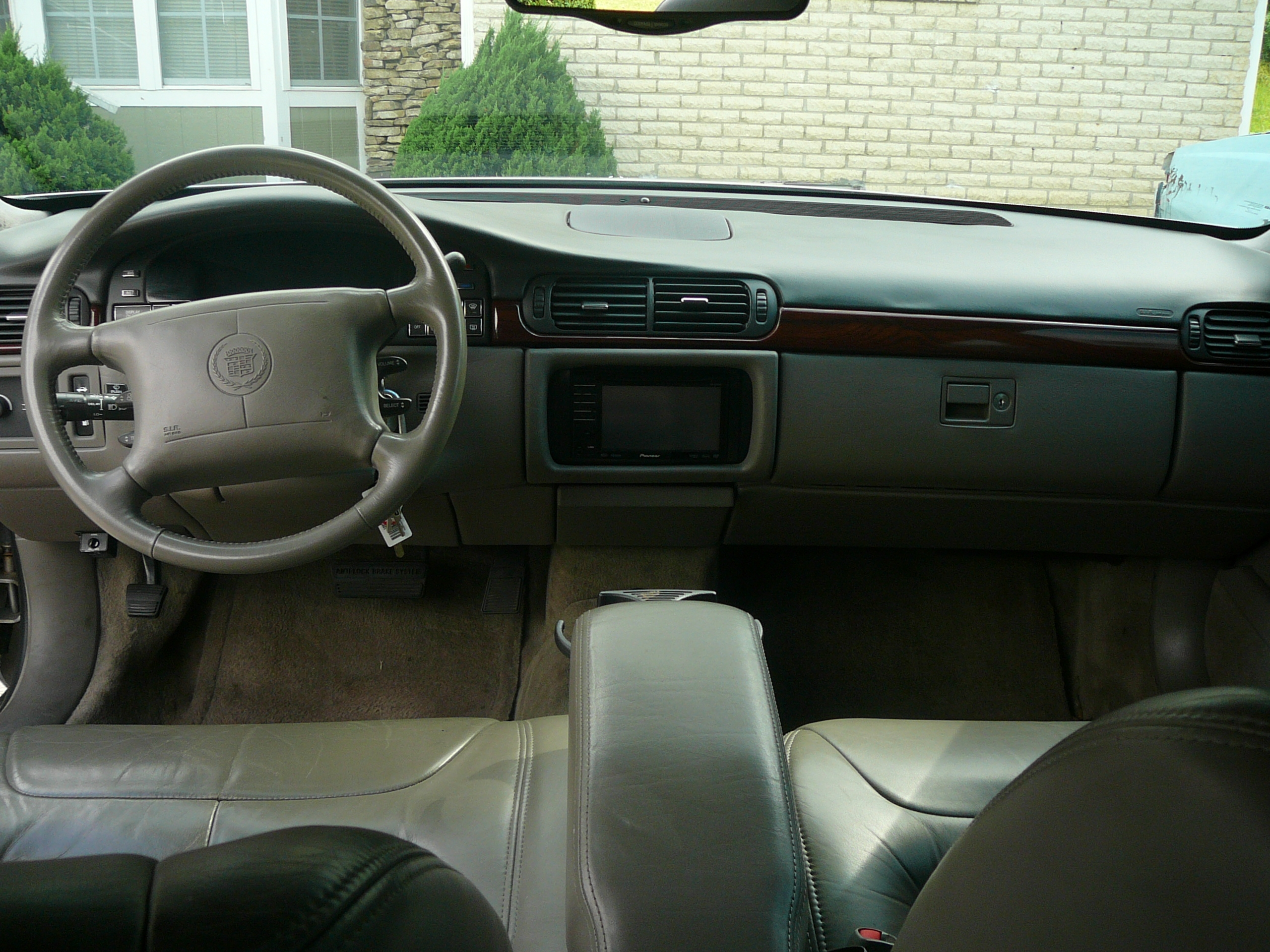 Another big-roe 1999 Cadillac DeVille post... - 12471464