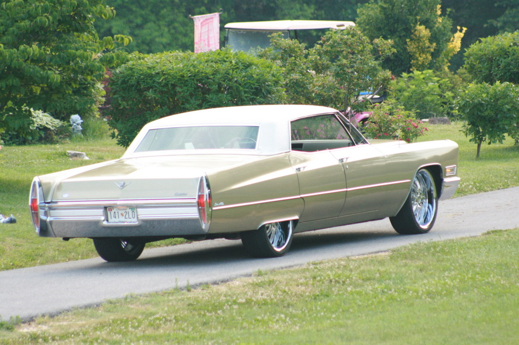 abstracts18 1968 Cadillac DeVille Specs, Photos ...