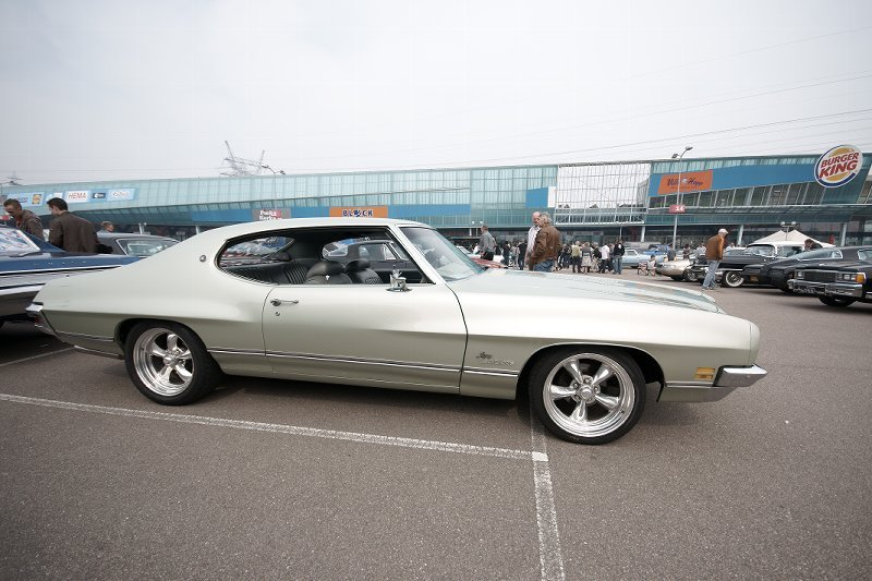 72luxurylemans 1972 Pontiac LeMans