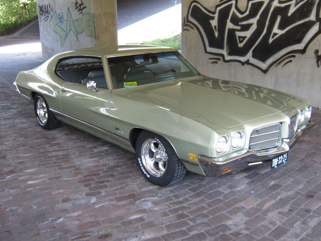 72luxurylemans 1972 Pontiac LeMans 12487844