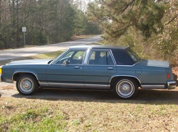 DA-BISHOP 1987 Ford LTD Crown Victoria