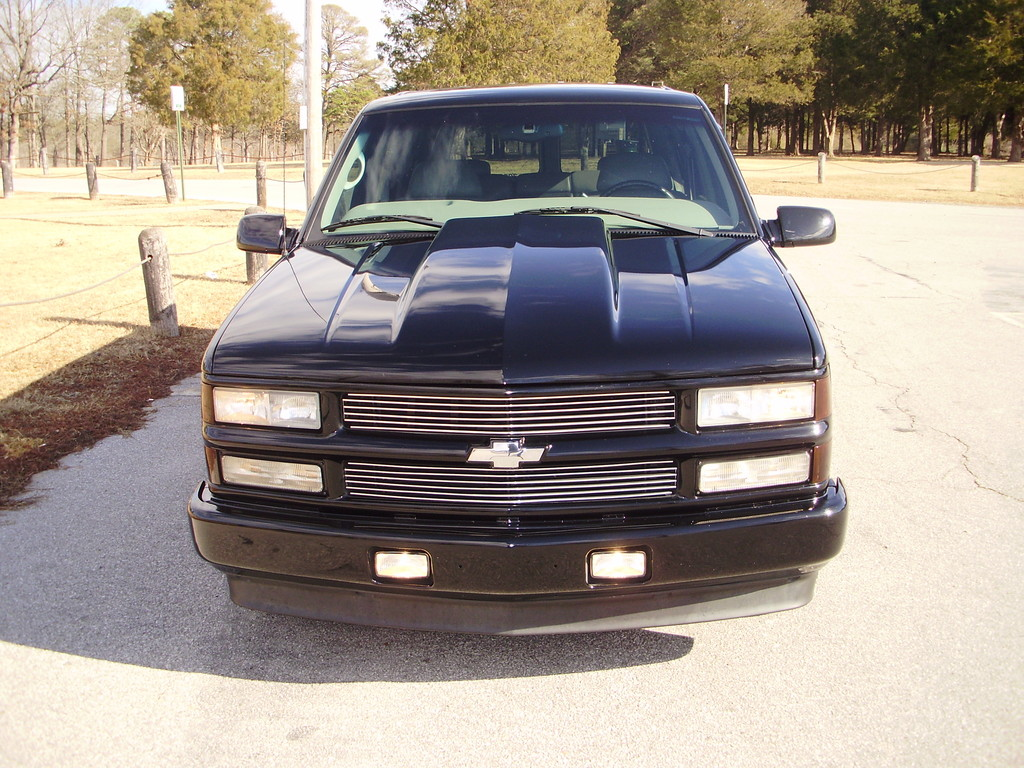 2000 chevy tahoe limited front bumper