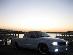 LOW_SONOs 1997 GMC Sonoma Club Cab
