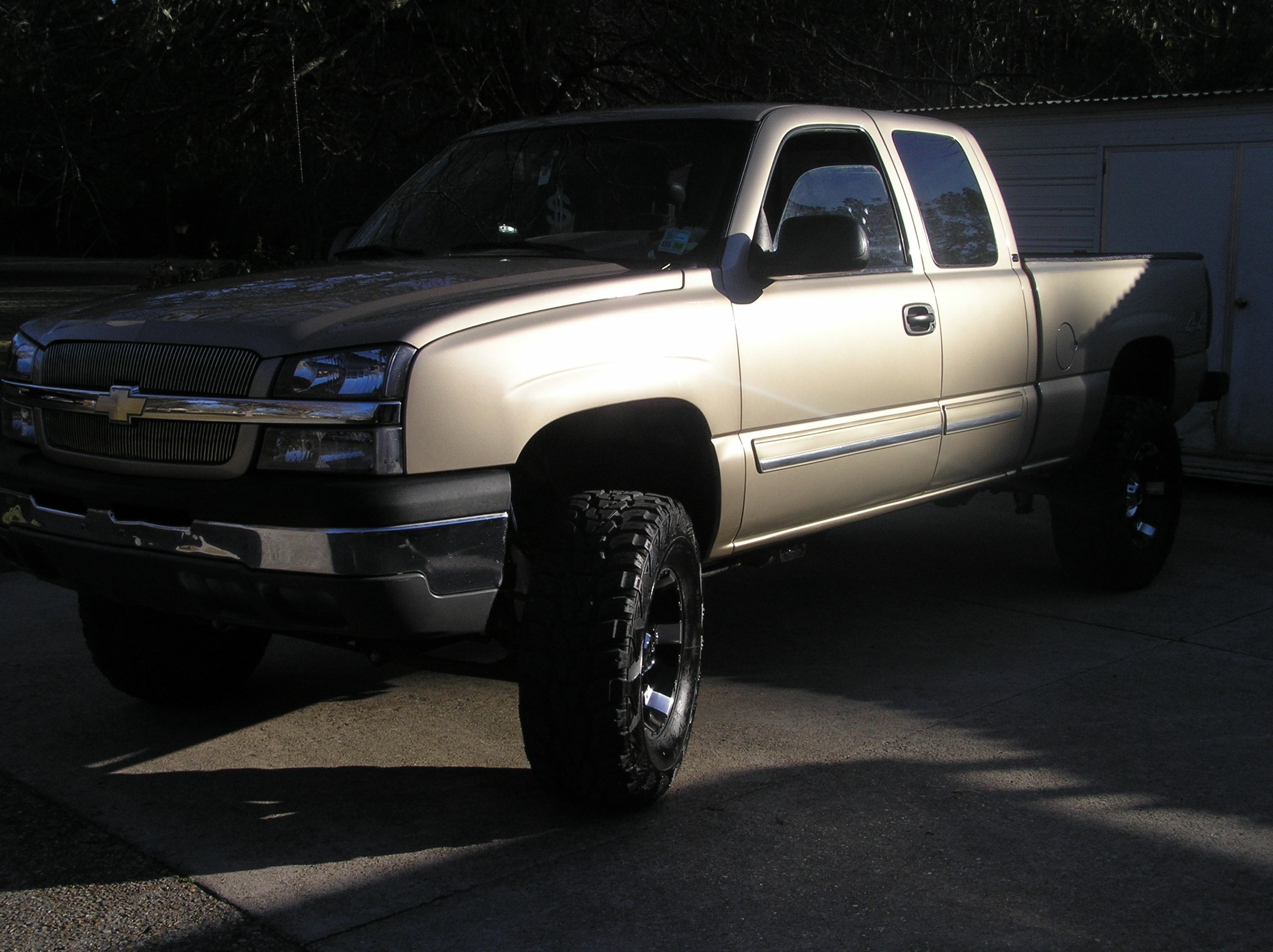 05 chevy silverado 1500 pictures to pin on pinterest pinsdaddy. Black Bedroom Furniture Sets. Home Design Ideas
