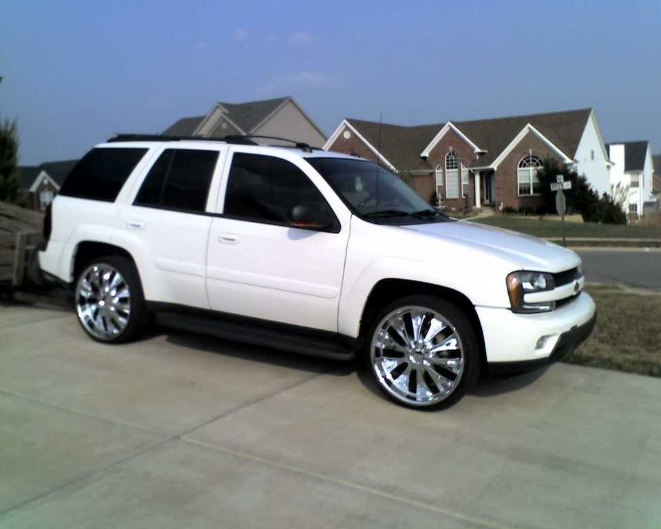 TWEETER13 2005 Chevrolet TrailBlazer Specs, Photos, Modification Info at CarDomain
