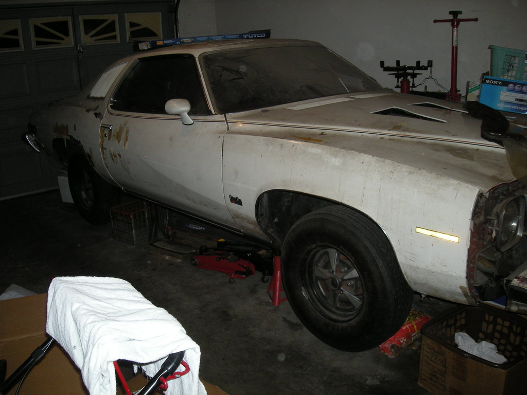 ponchoV8's 1974 Pontiac Grand Am