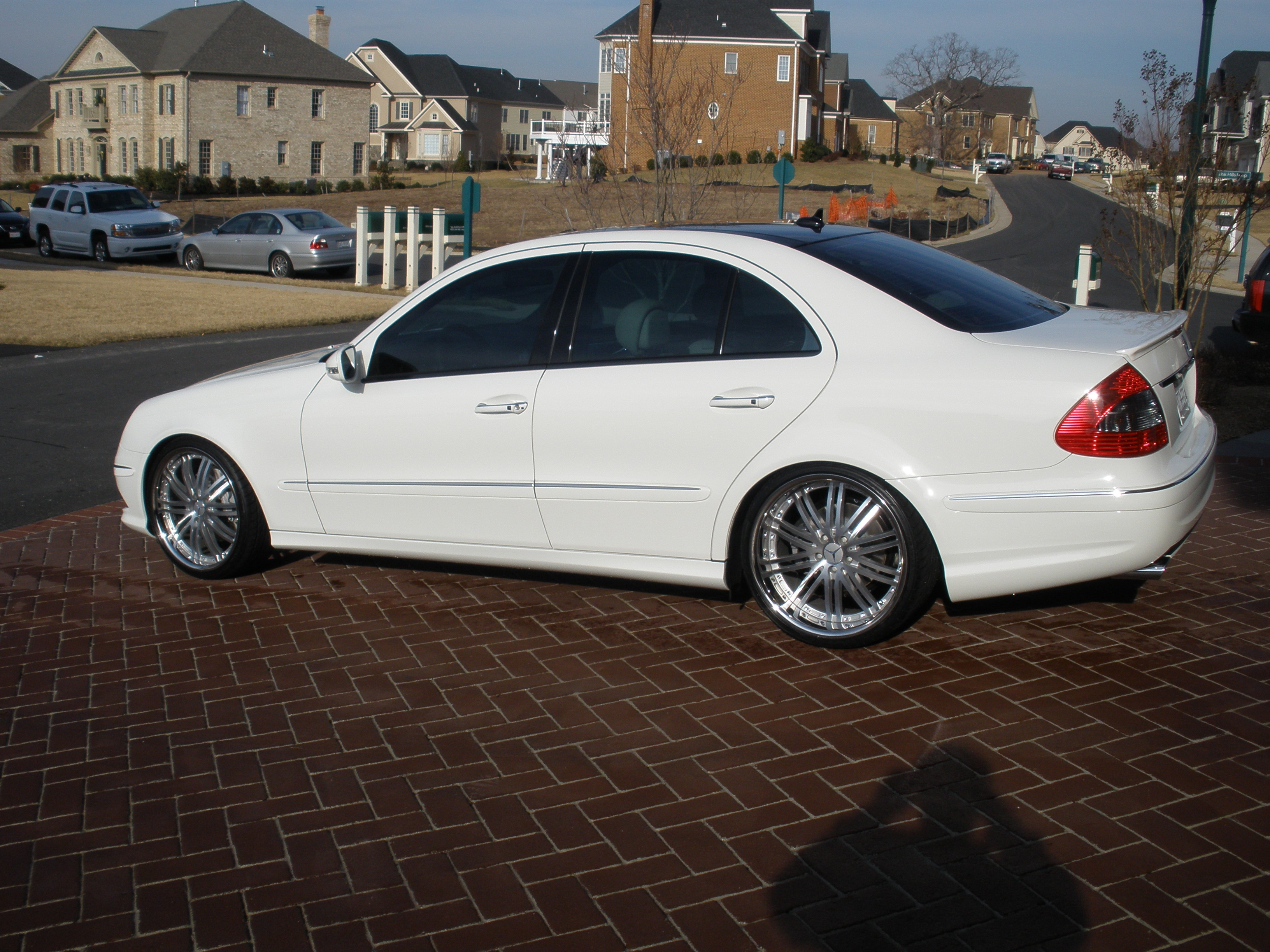Another buynsll 2009 Mercedes-Benz E-Class post... - 12547757