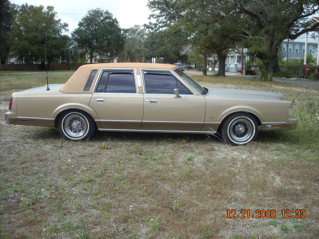 Supremeishere 1985 Lincoln Town Car Specs, Photos, Modification Info