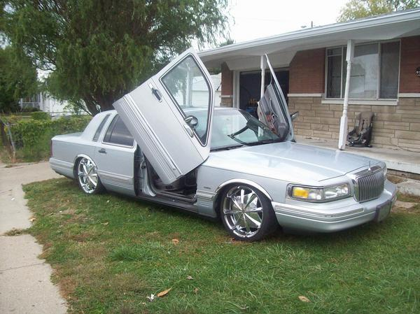 fclbaby 39 s 1993 lincoln town car in indianapolis in. Black Bedroom Furniture Sets. Home Design Ideas
