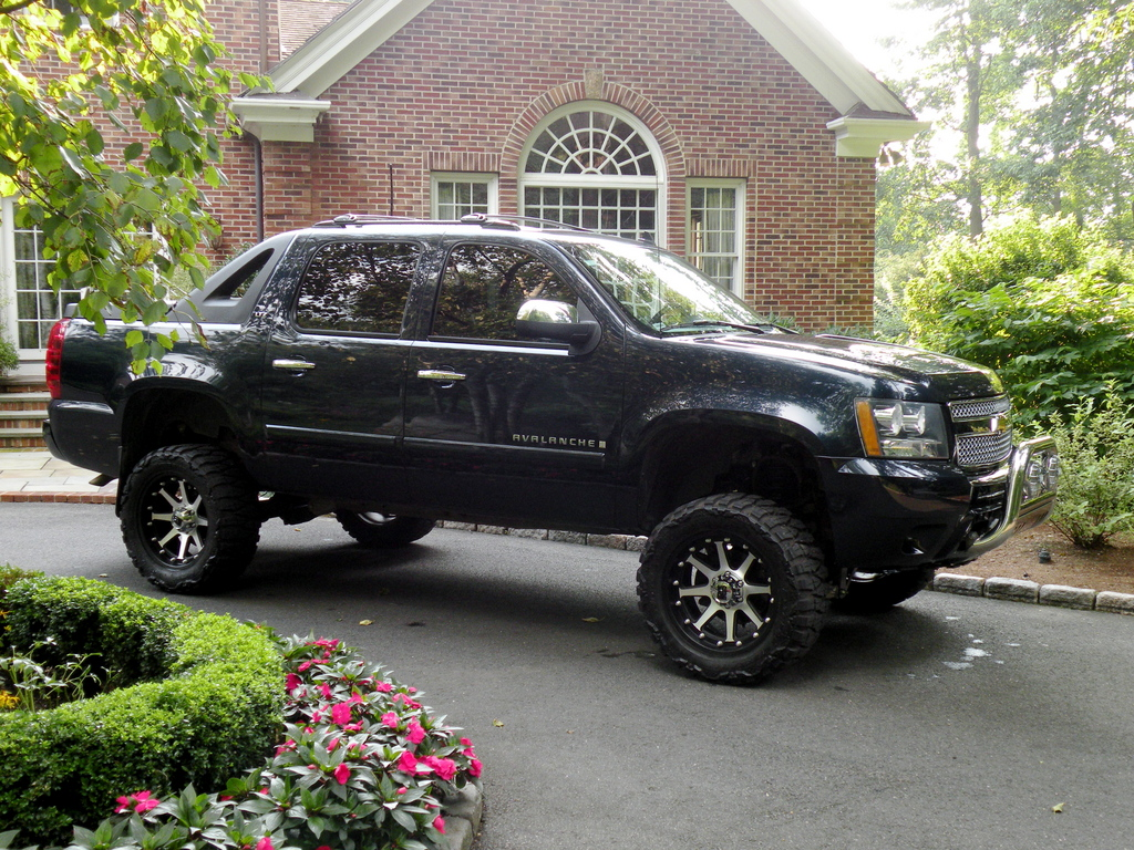 thewho 2008 chevrolet avalanche specs photos modification info at cardomain. Black Bedroom Furniture Sets. Home Design Ideas