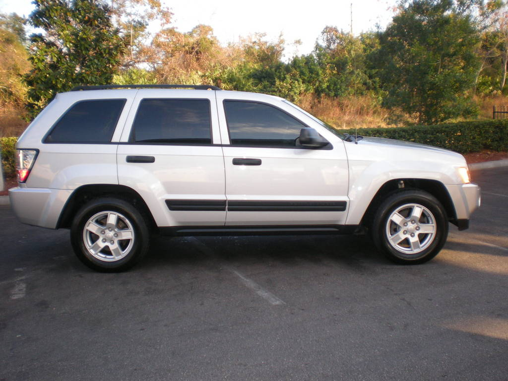 BOSSLowPro 2006 Jeep Grand Cherokee 12566783