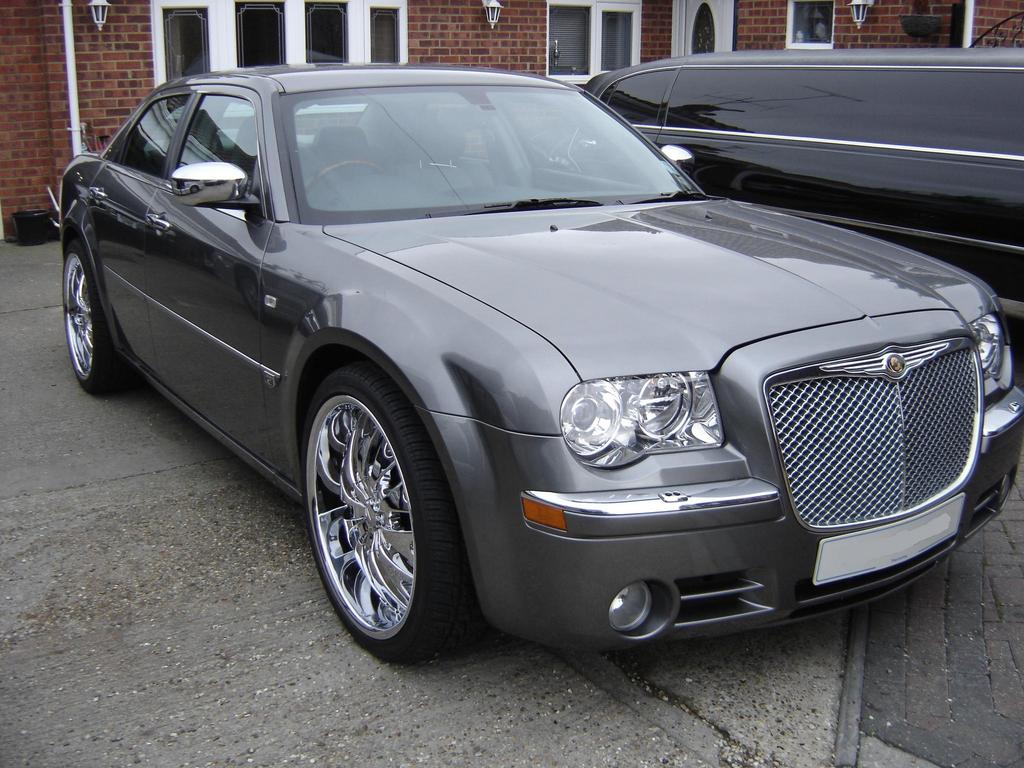 usacustoms 39 s 2007 chrysler 300 in london. Black Bedroom Furniture Sets. Home Design Ideas