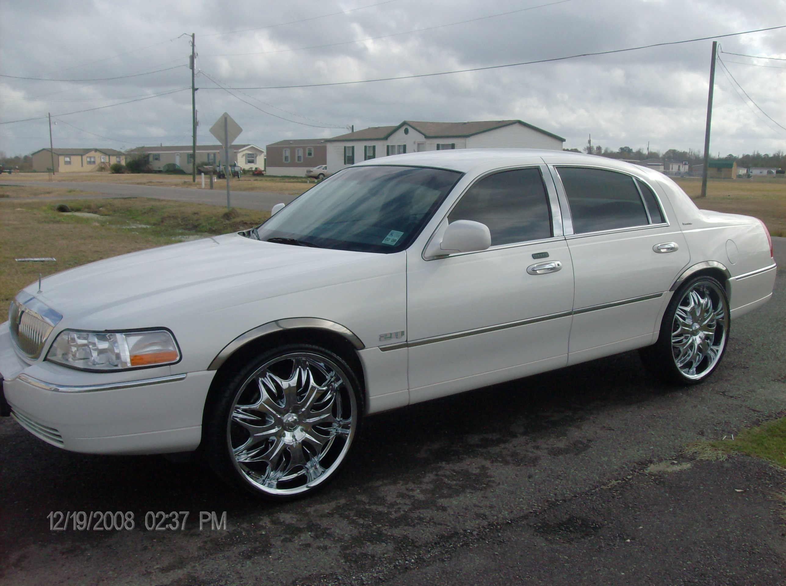 Youngboss747 2003 Lincoln Town Car Specs Photos