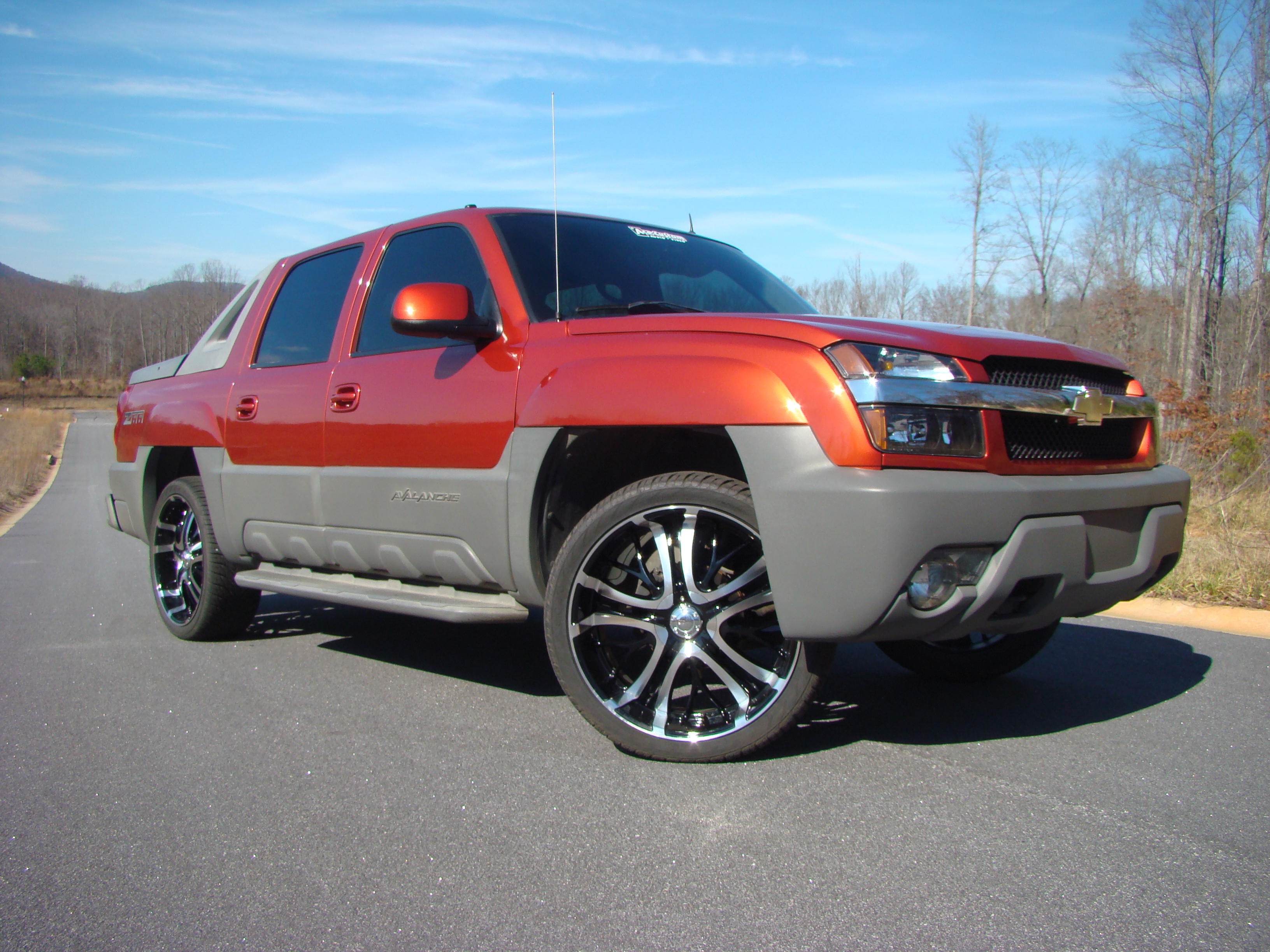 coreyp24 2002 chevrolet avalanche specs photos. Black Bedroom Furniture Sets. Home Design Ideas