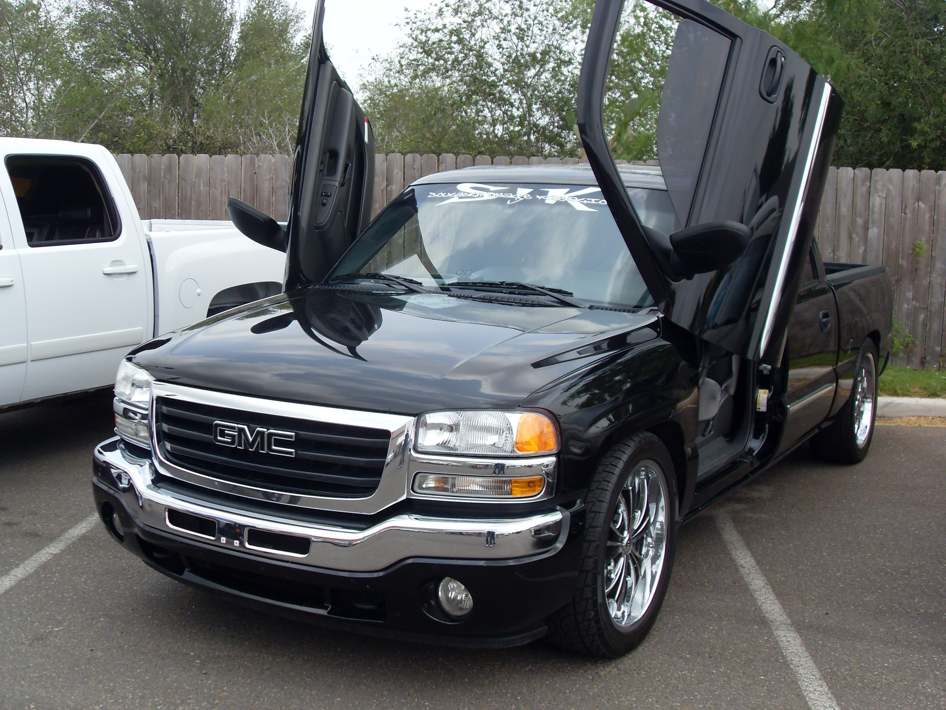 oc nali 2006 gmc sierra 1500 crew cab specs photos modification info at cardomain. Black Bedroom Furniture Sets. Home Design Ideas