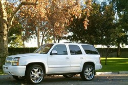 CHINOLAZZs 2004 Chevrolet Tahoe