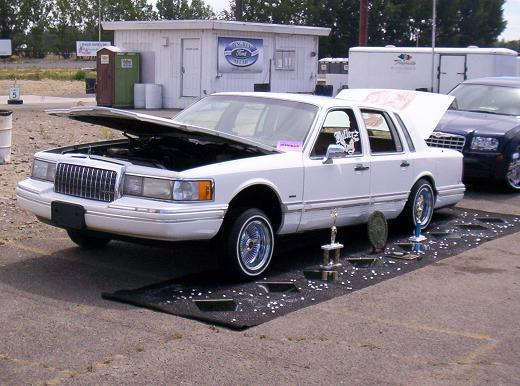 206rollerzonly 1994 Lincoln Town Car S Photo Gallery At Cardomain