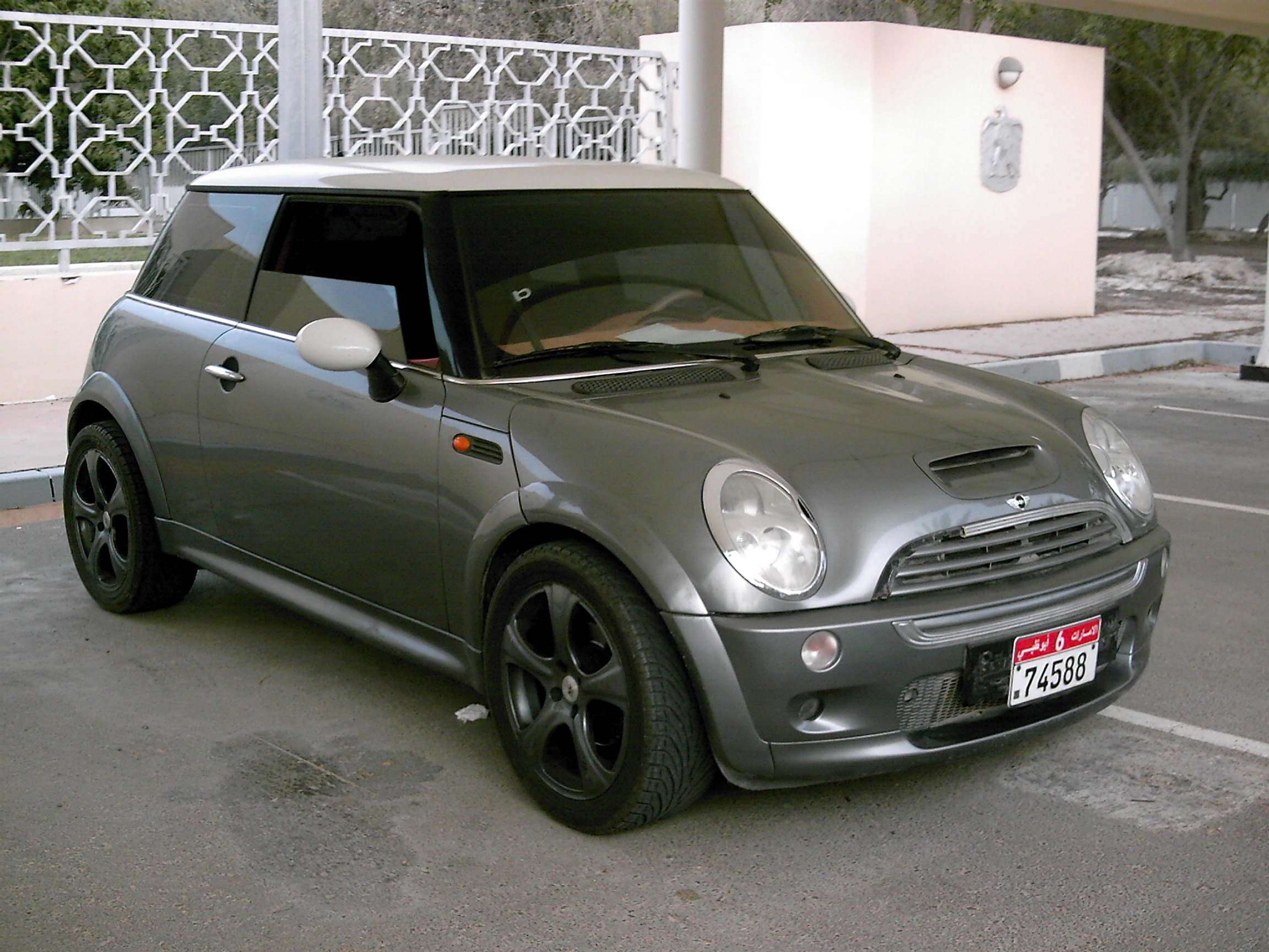 ashraf isleem 2004 mini cooper specs photos modification. Black Bedroom Furniture Sets. Home Design Ideas
