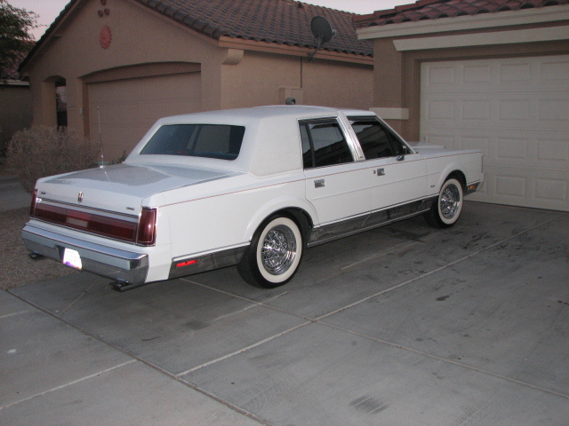 Born2supreme 1985 Lincoln Town Car Specs Photos Modification Info