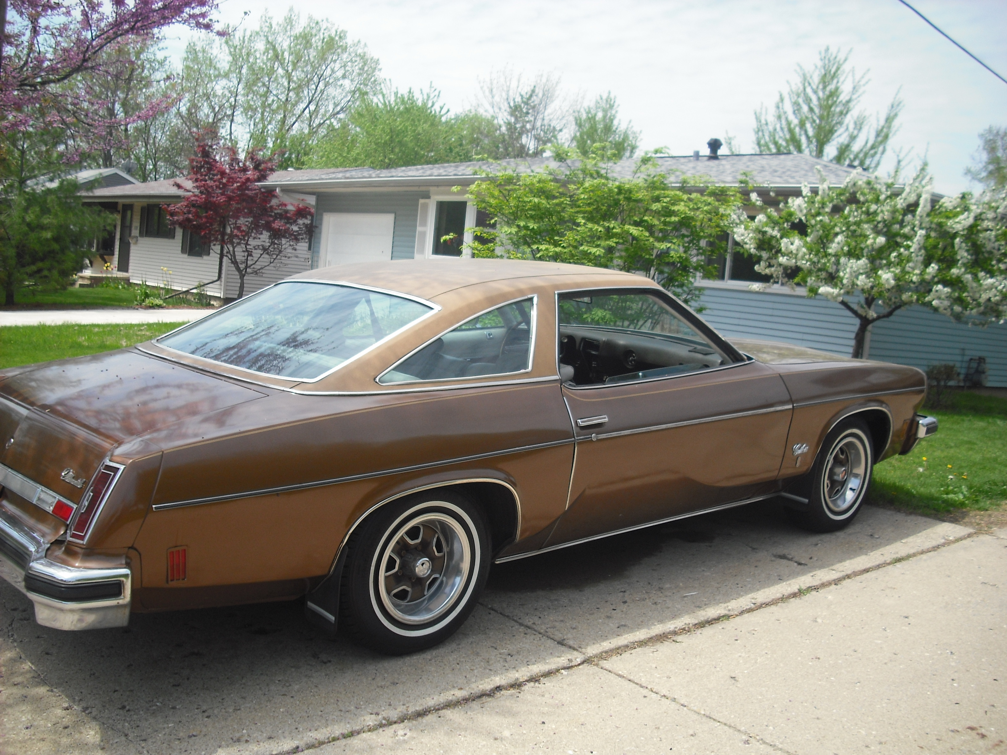 Pin 1974 oldsmobile cutlass on pinterest for 1974 oldsmobile cutlass salon for sale