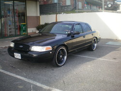 Im_Shytins 2001 Ford Crown Victoria