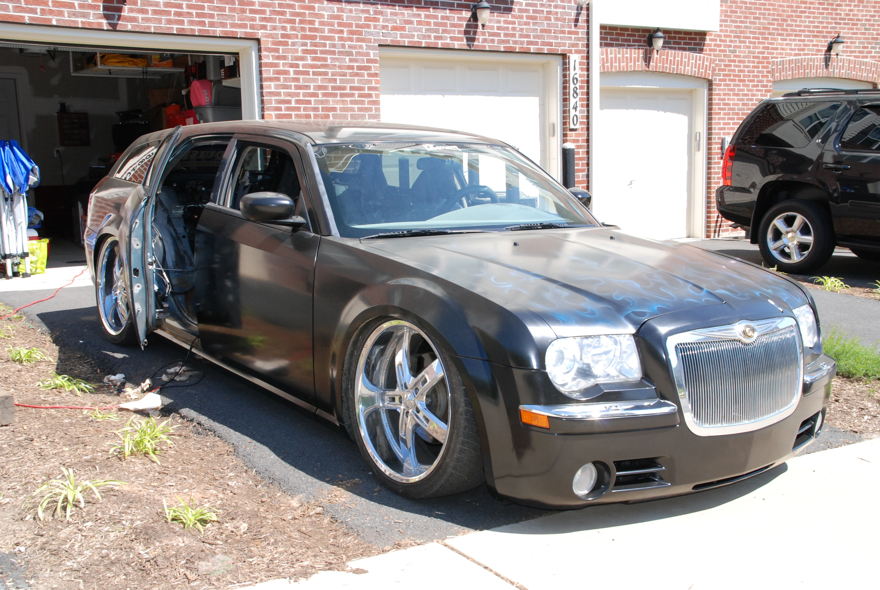 notorious170's 2005 Dodge Magnum