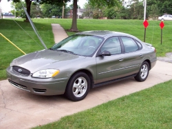 BlowMeTwices 2002 Ford Taurus