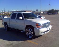 GMCDENALI06s 2006 GMC Yukon Denali