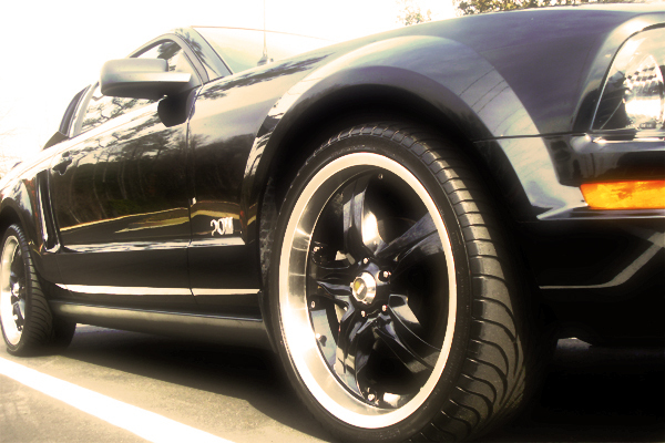 Another mrblong 2006 Ford Mustang post... - 12672277