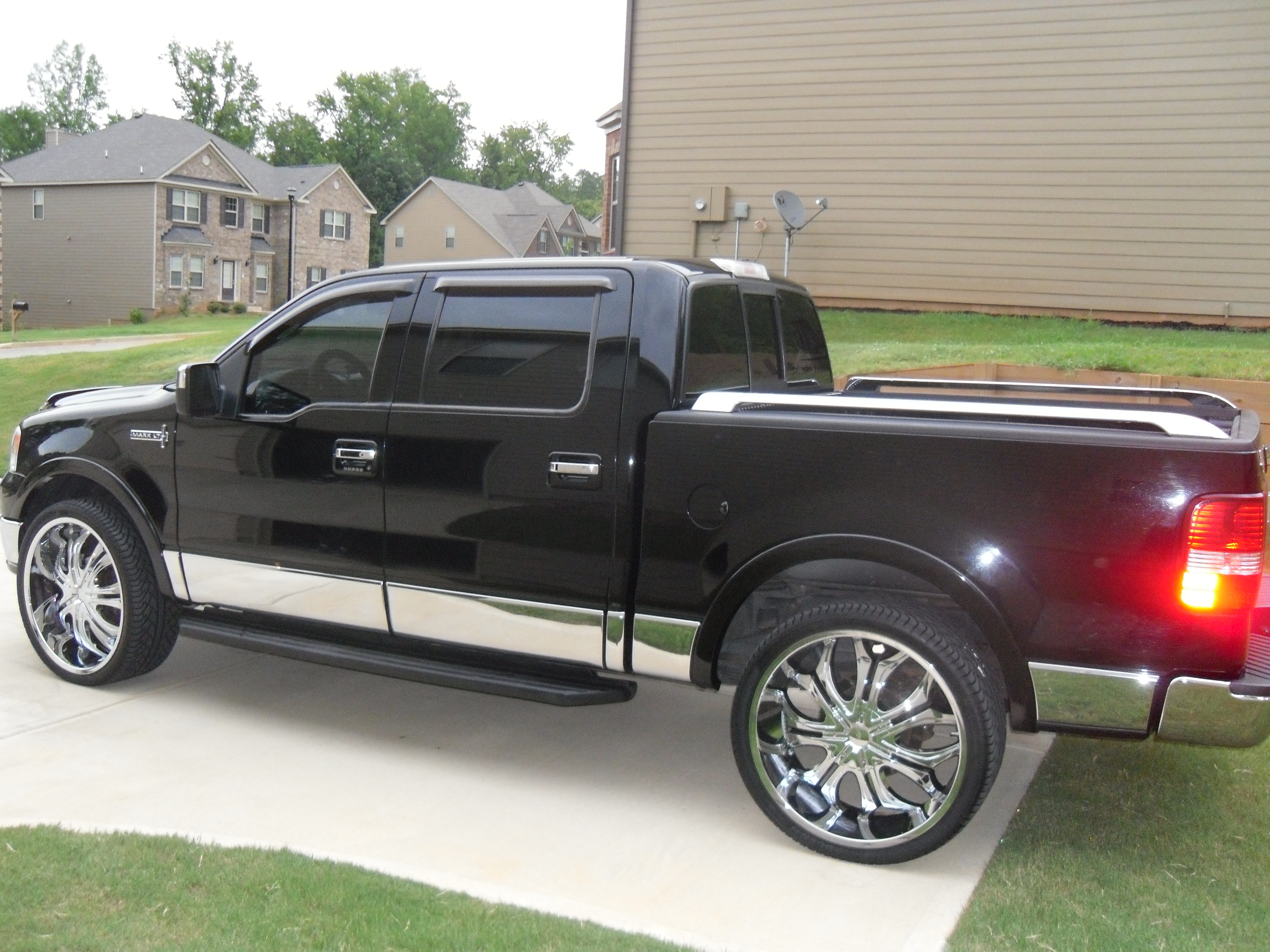 marquetubbs 2006 lincoln mark lt specs photos modification info at cardomain. Black Bedroom Furniture Sets. Home Design Ideas