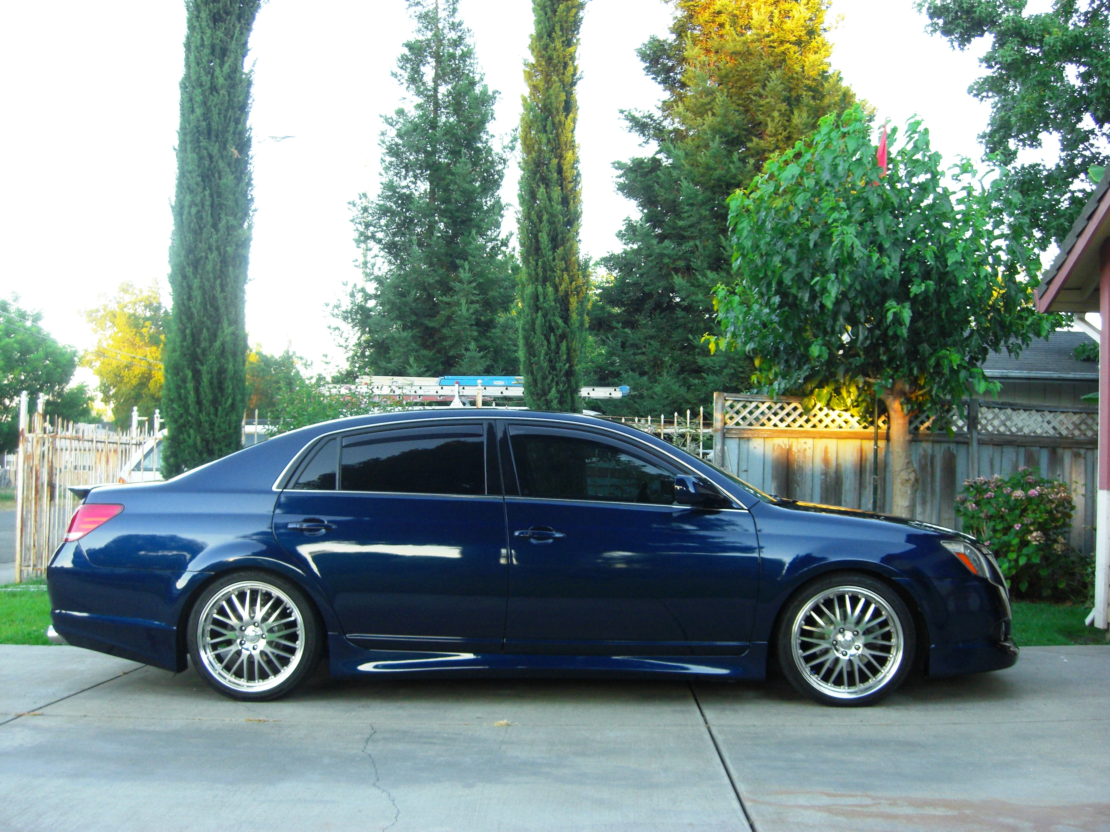 1sikavy 39 s 2005 toyota avalon in sacramento ca. Black Bedroom Furniture Sets. Home Design Ideas