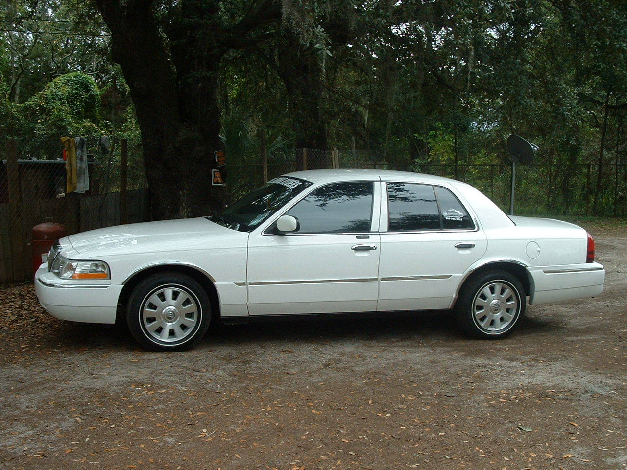 Another DuvalDumbRyders 2004 Mercury Grand Marquis post... - 12698256