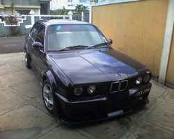 Reekeshs 1990 BMW 3 Series