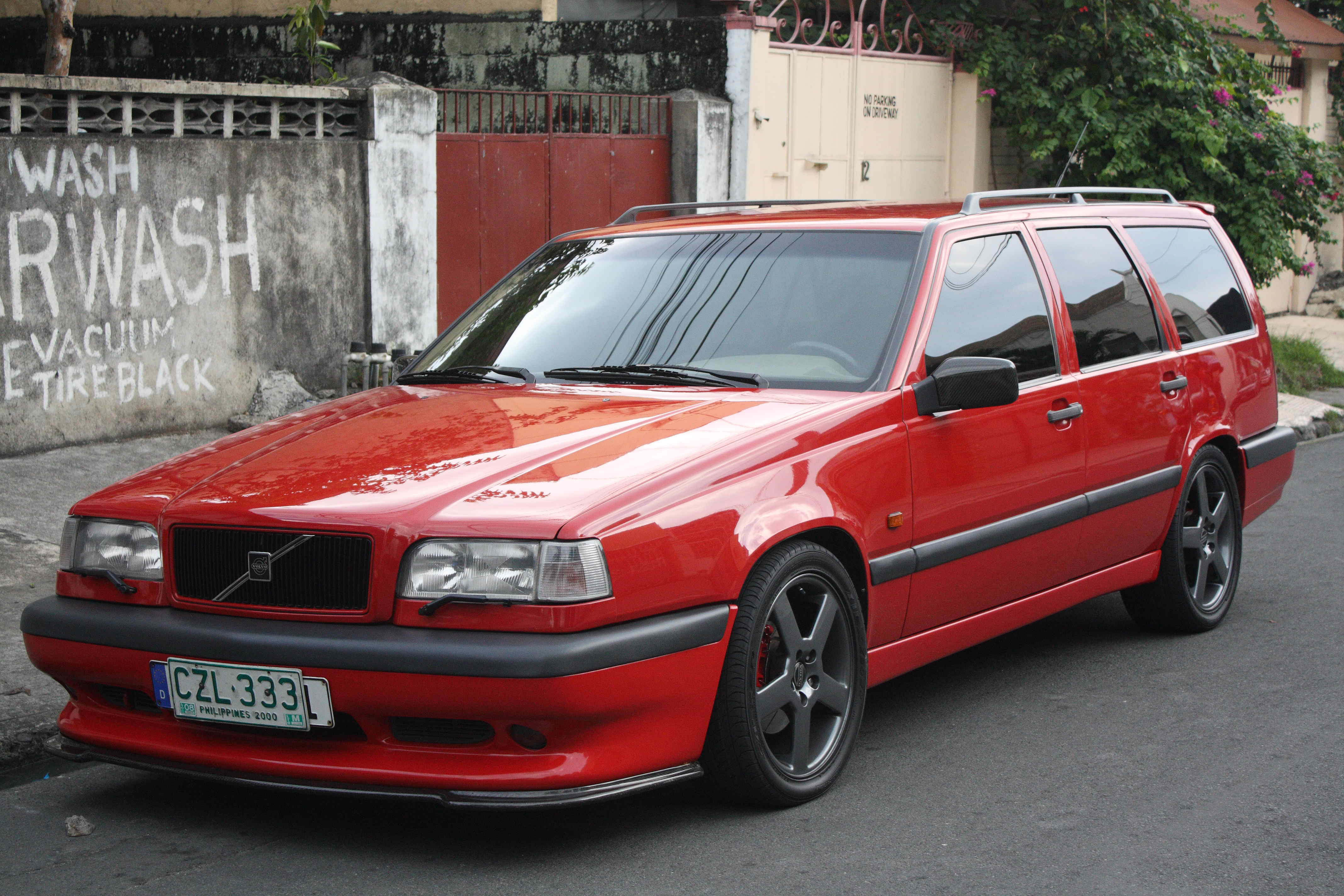 1996 Volvo 850 together with 17810 likewise 10 Nifty Things You Probably Missed On moreover 12549823664 moreover Conference Hotel Prague. on car sound set up