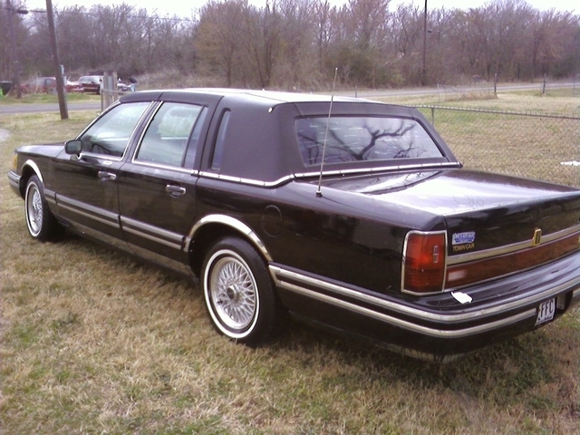 benzo 1994 lincoln town car specs photos modification info at cardomain. Black Bedroom Furniture Sets. Home Design Ideas
