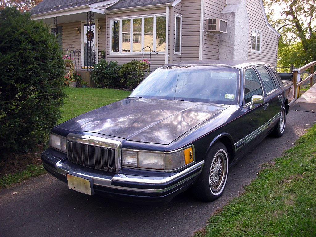 xxxshadows 1990 lincoln town car specs photos modification info at cardomain. Black Bedroom Furniture Sets. Home Design Ideas