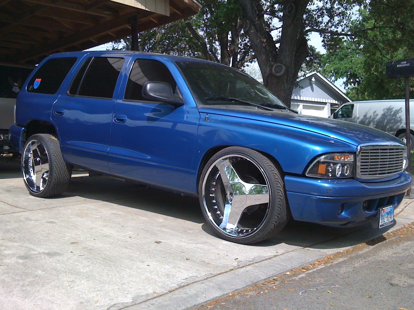 BAGGED210's 2001 Dodge Durango