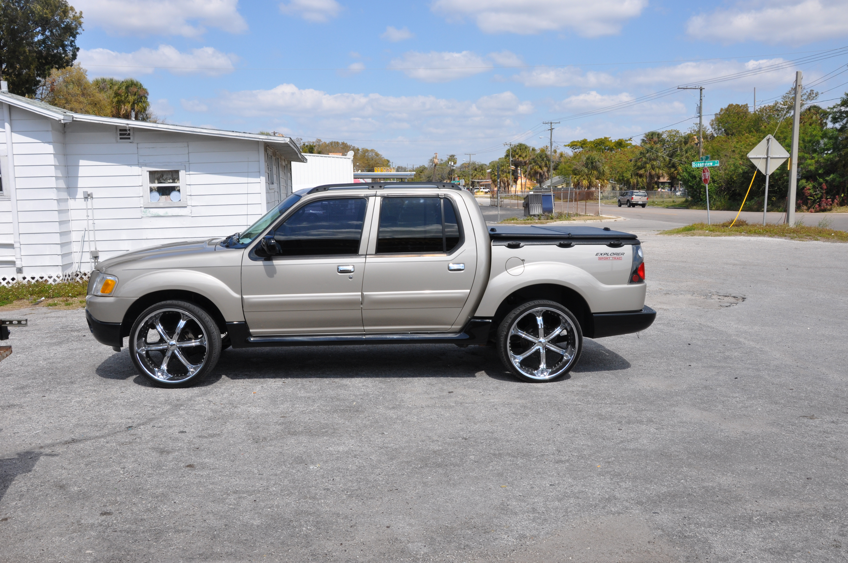 Coco2214 2005 Ford Explorer Sport Trac Specs  Photos