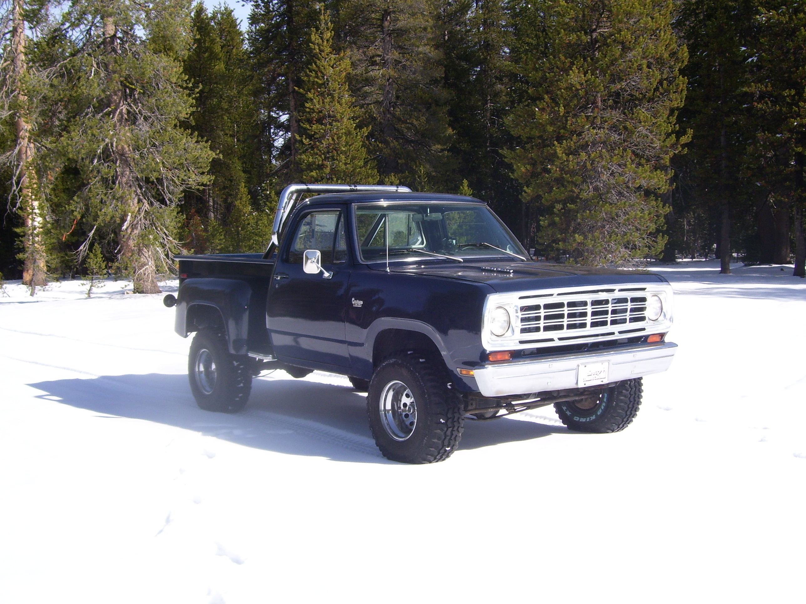 xXDeetzXx's 1975 Dodge Power Wagon