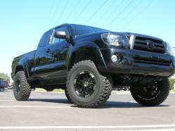 blacked-out-toy 2005 Toyota Tacoma Xtra Cab